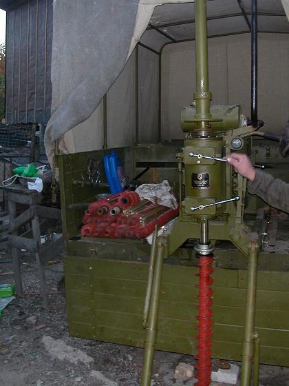 Буровая установка УДВ-25 шнекового бурения